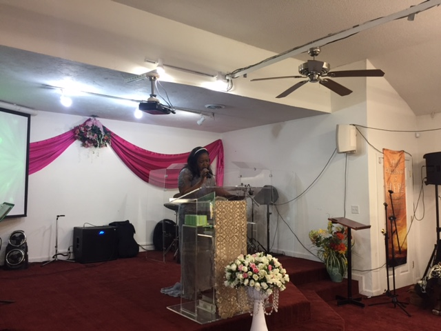 naomi-osagiede-during-her-thanksgiving-speech-at-the-dedication-ceremony