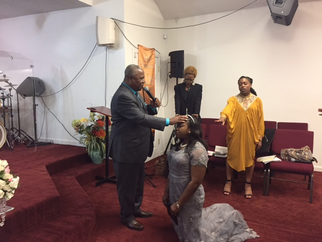 pastor-samuel-sorinmade-blessing-apostle-naomi-osagiede-during-her-church-dedication-ceremony